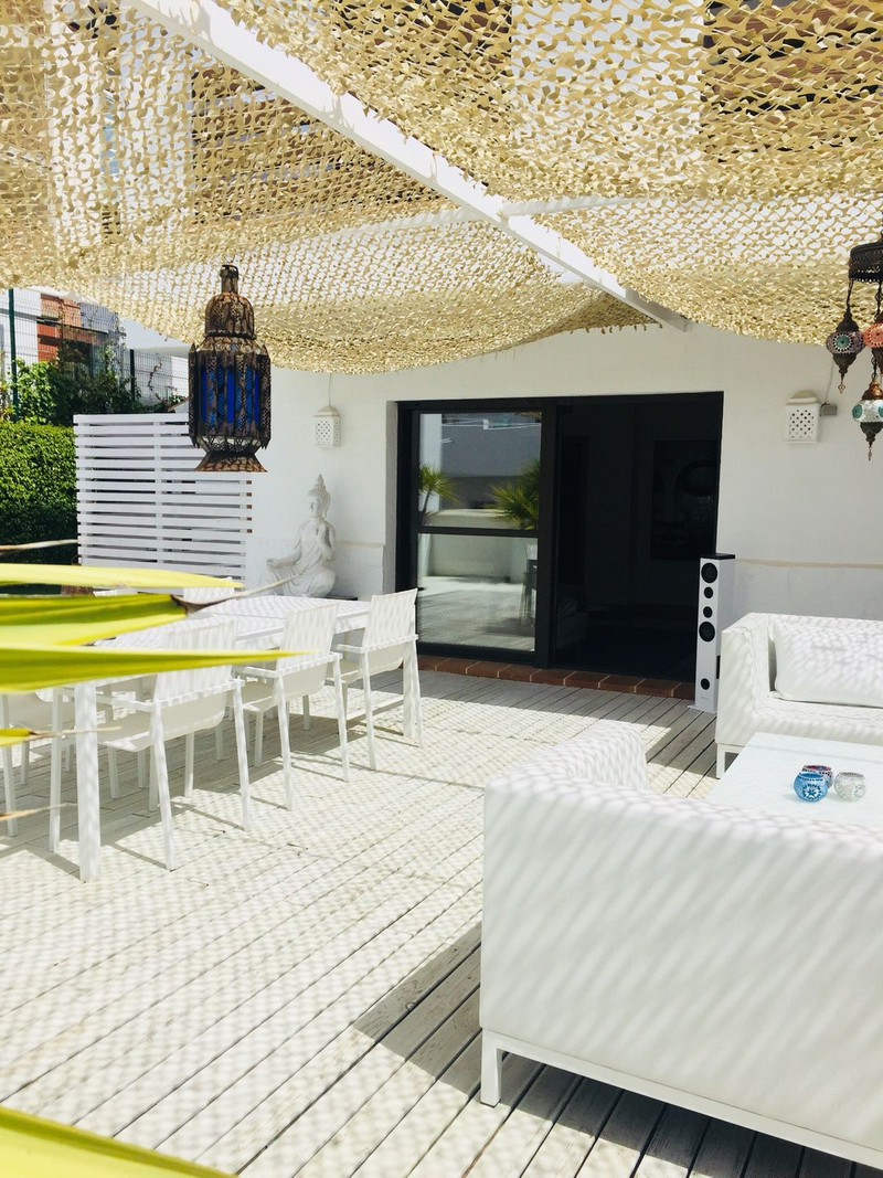 Apartamento Planta Media en venta en Selwo – R3172555