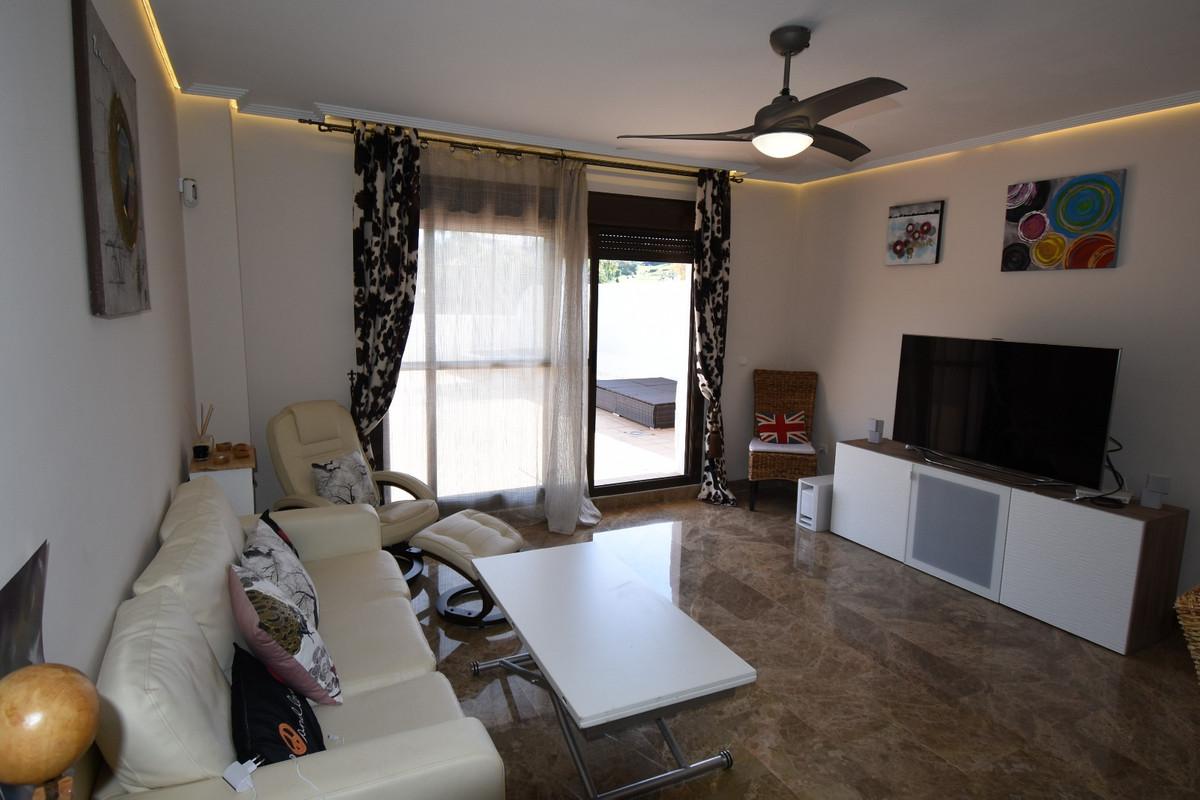 Marbella Banus Apartamento Planta Media en Venta en Selwo – R3193615