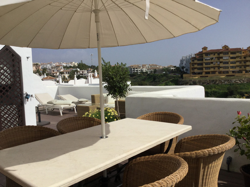 Well-designed 3-bedrooms apartment is now offered for sale due to owner's purchase of villa.  T,Spain
