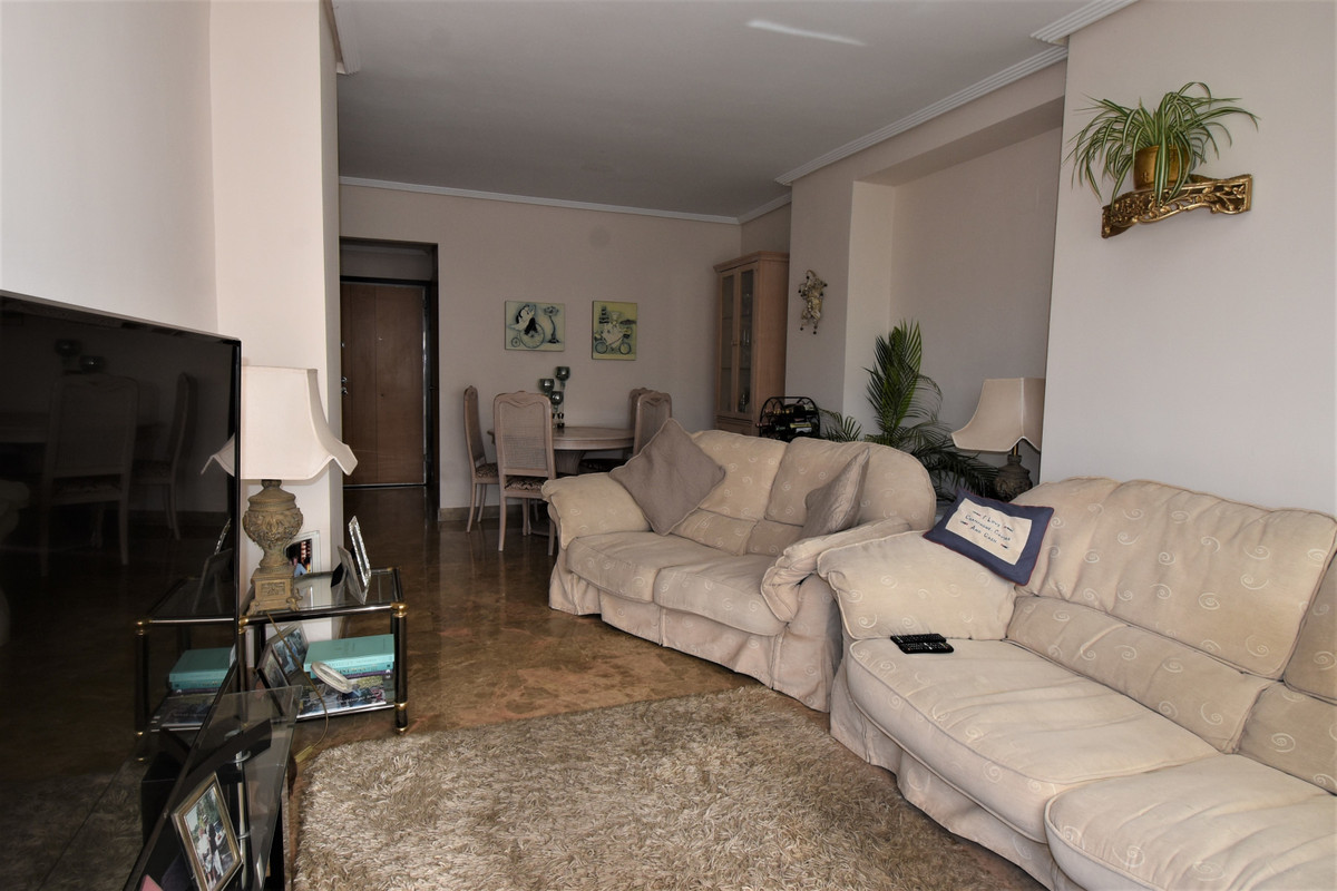 Apartment Middle Floor Selwo Málaga Costa del Sol R3510367 4