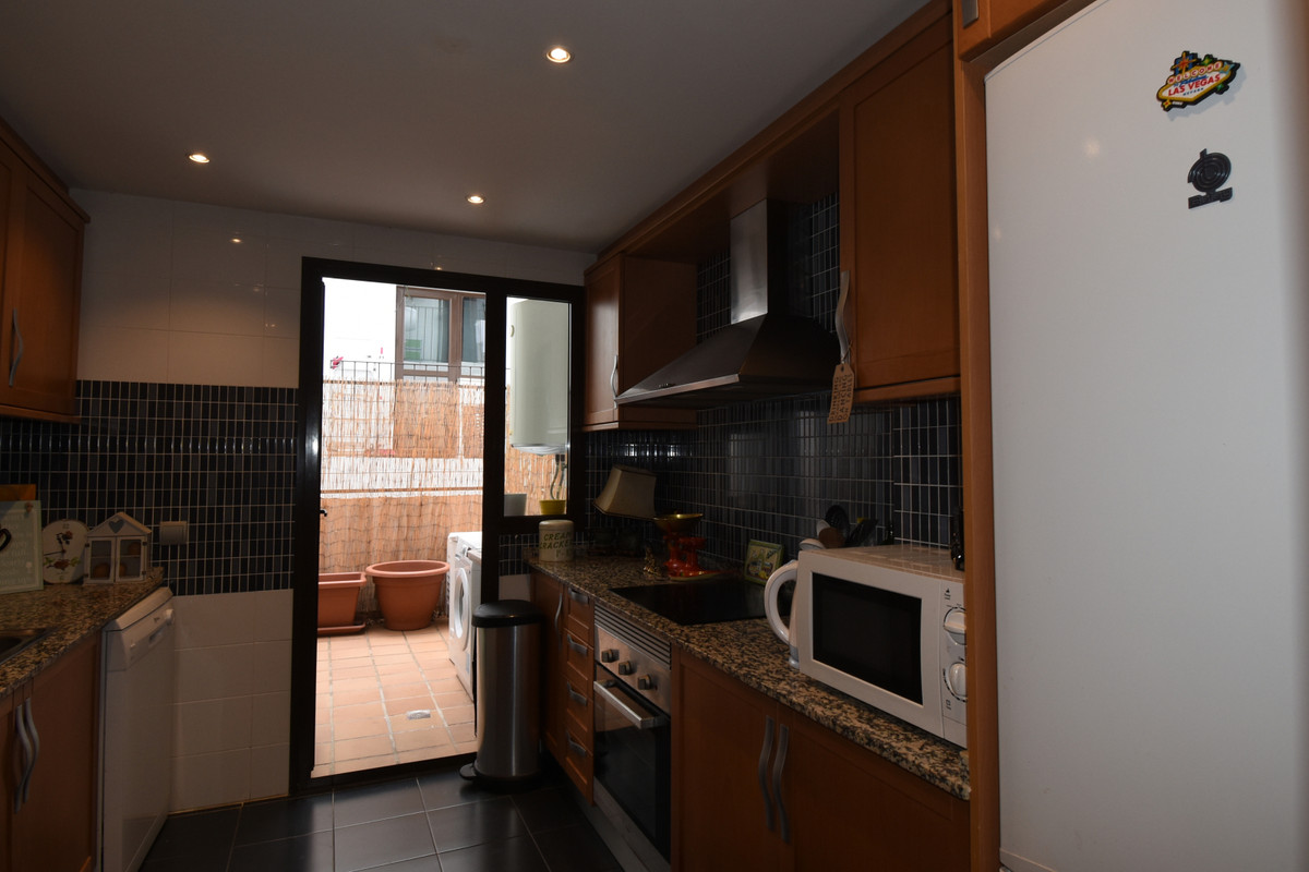 Apartment Middle Floor Selwo Málaga Costa del Sol R3510367 9