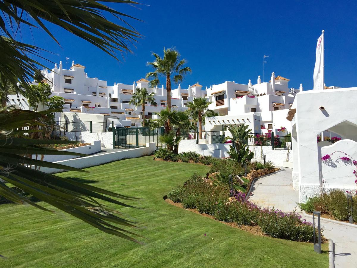 Marbella Banus Apartamento Planta Baja en Venta en Selwo – R3030734