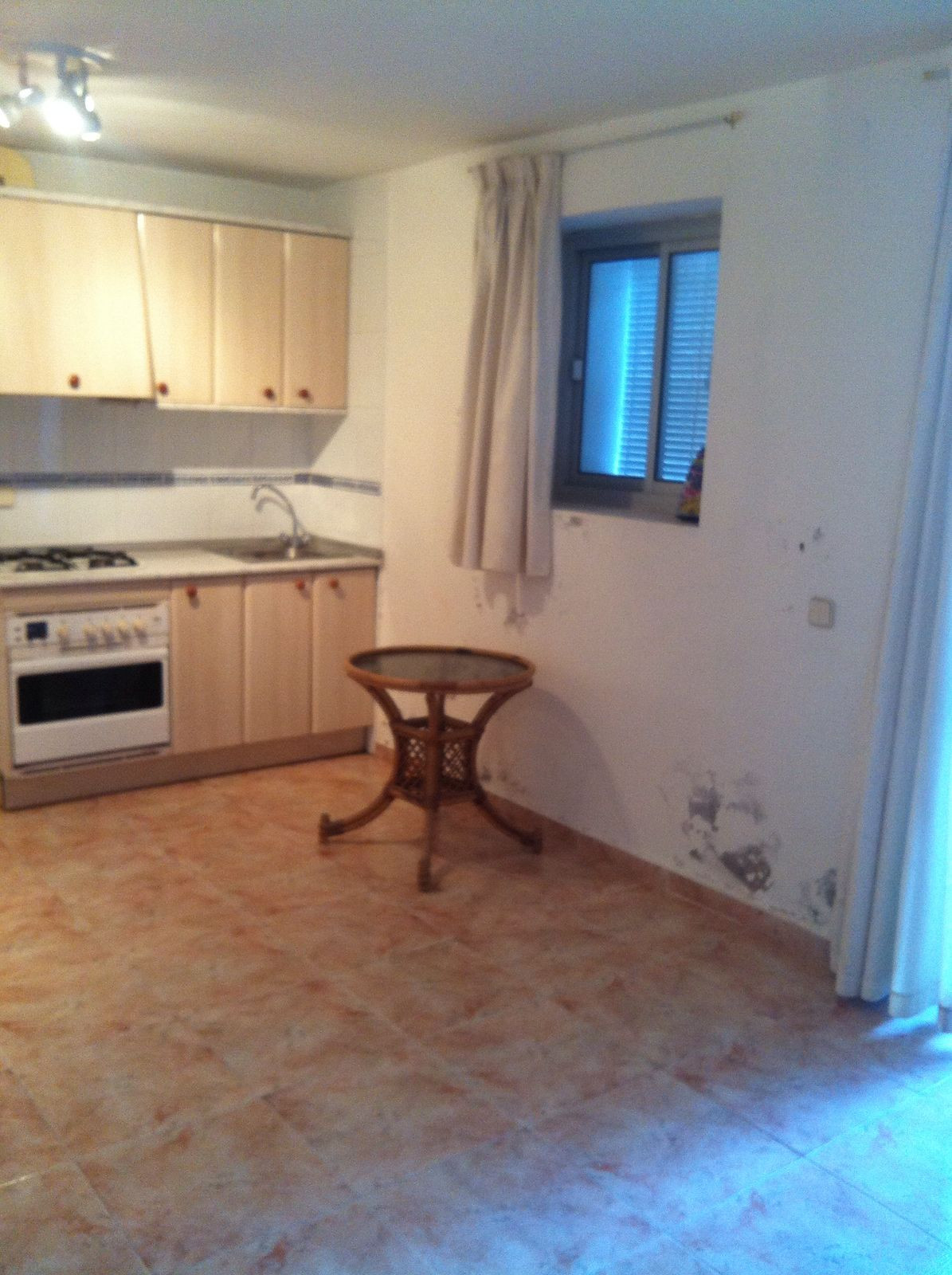 Ground Floor Studio, Manilva, Costa del Sol. Built 18 m².  Setting : Town, Commercial Area, Close To, Spain