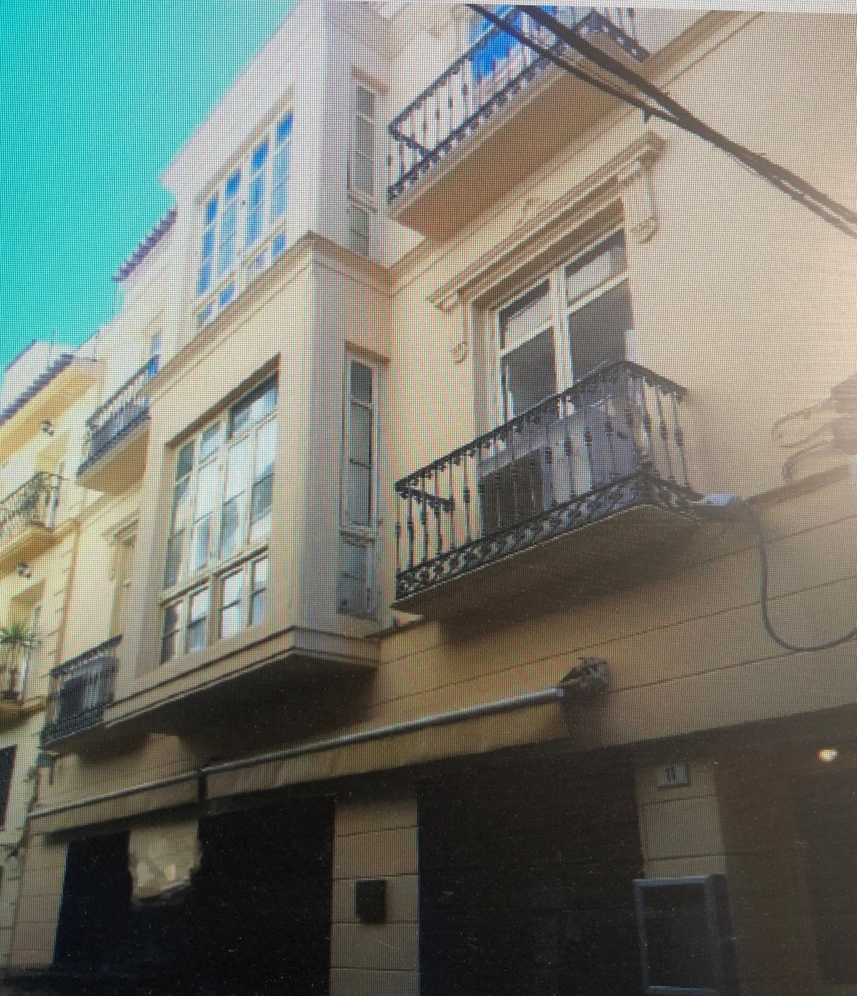 Whole building in Malaga center 412m2 on 120m2 plot Local on ground floor 77m2 First floor apartment, Spain