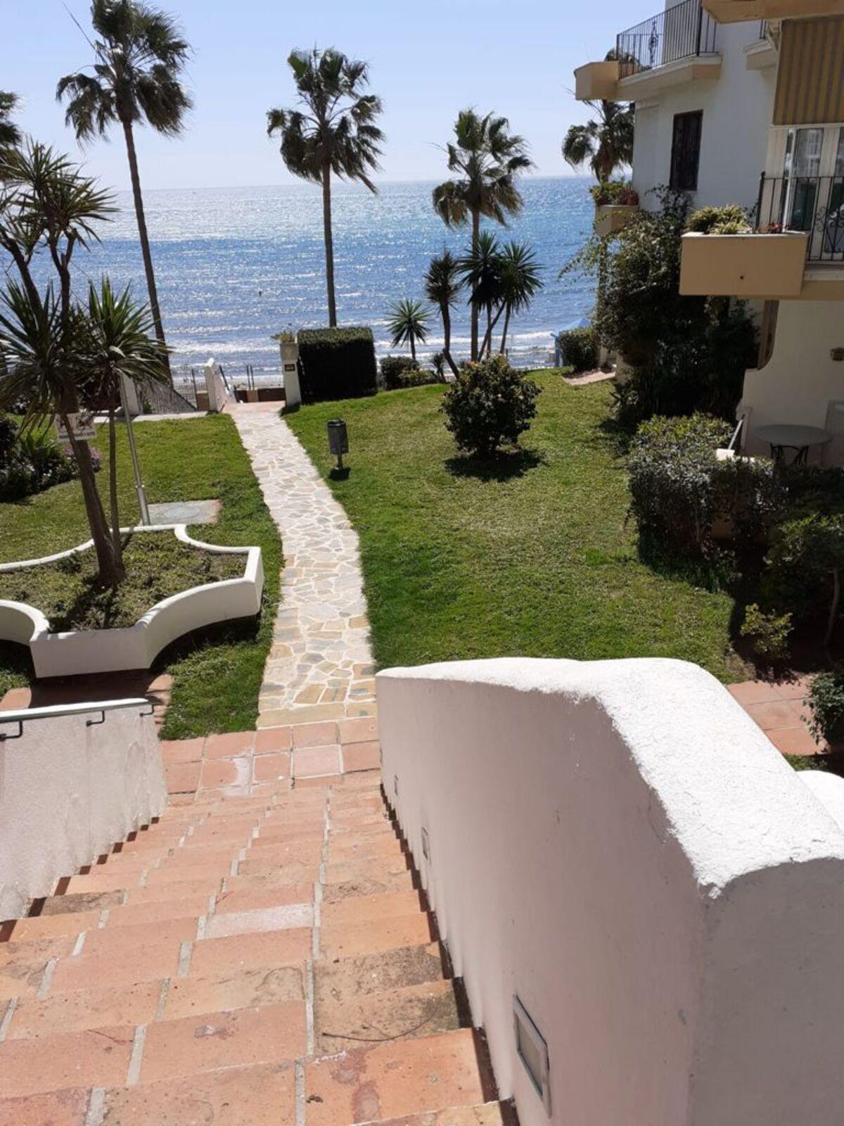Marbella Banus Apartamento en Venta en Marbella – R3867214