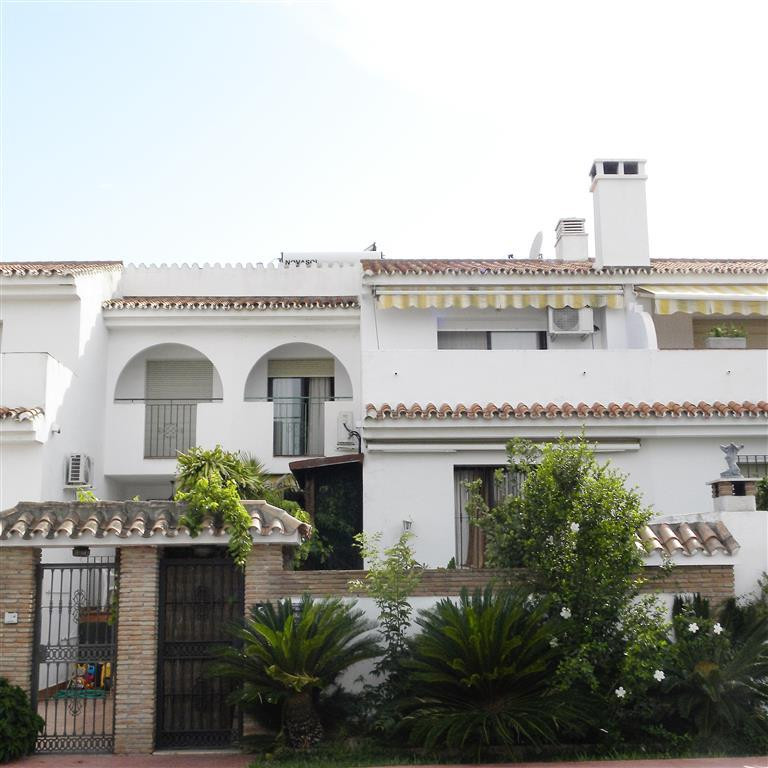 A quaint and individual townhouse located beachside of this most popular town of San Pedro Alcantara,Spain