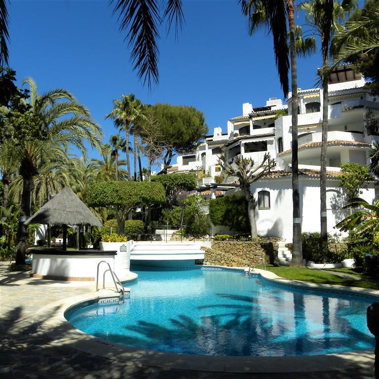 A very interesting proposition in this frontline beach gated urbanisation just a few meters from the,Spain