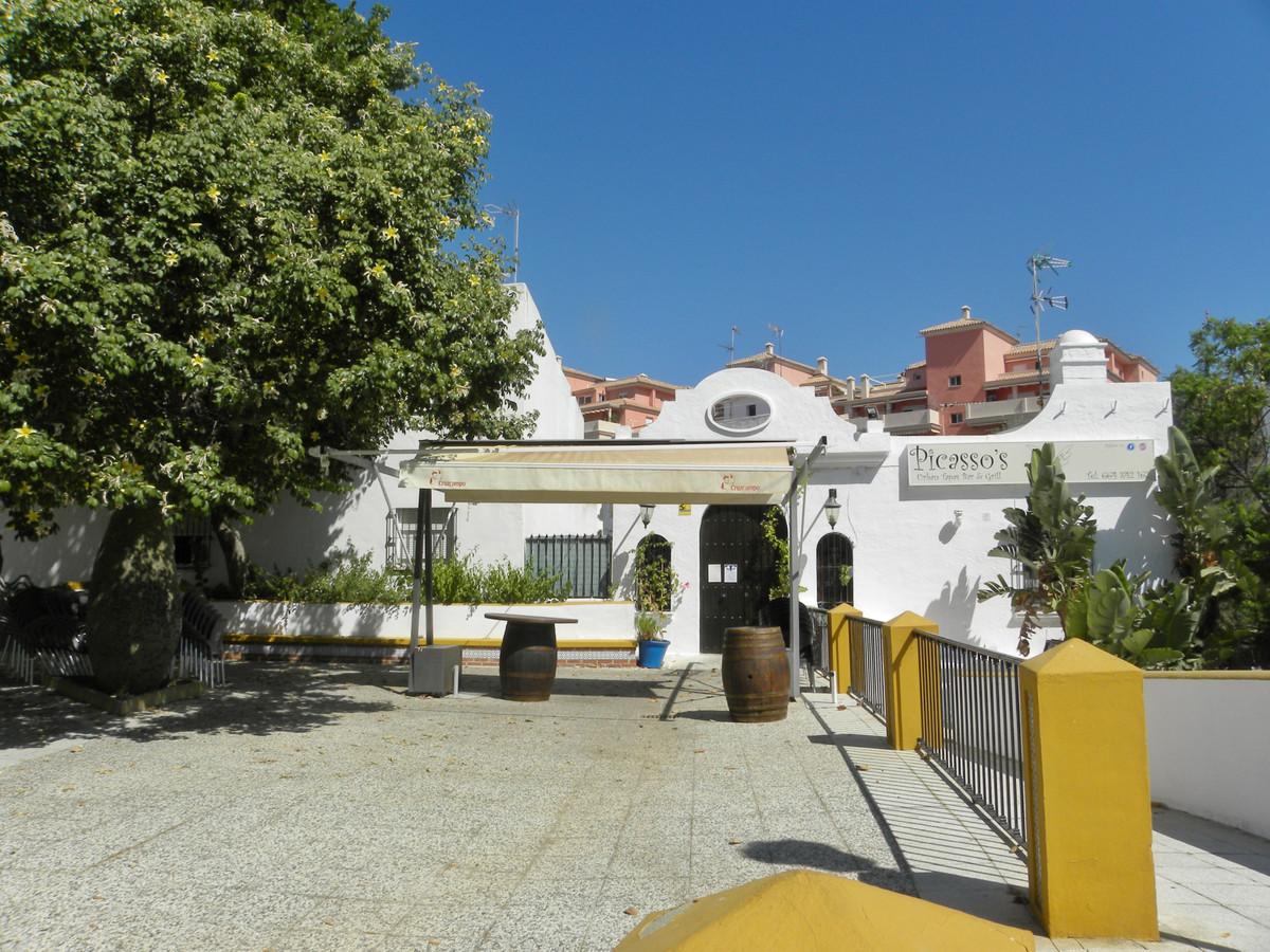 Restaurante  en venta   y en alquiler    en Estepona