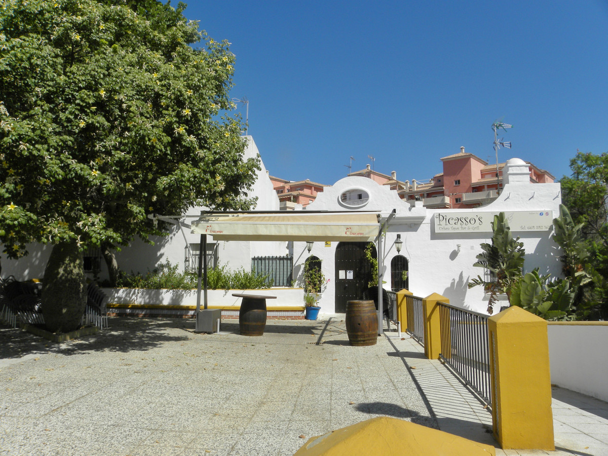 *** REDUCED FROM 99,950 EUROS TO 59,950 NOW 48,000!!!! EUROS TRASPASO WITH A MONTHLY RENTAL OF €800.,Spain