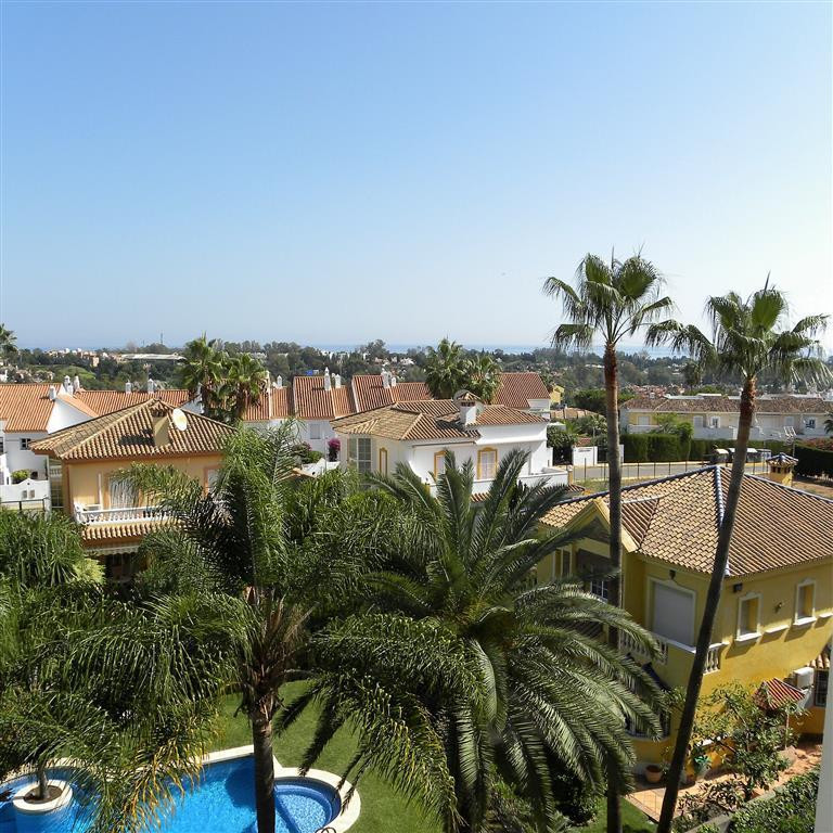 Beautifully kept 2 bedroom, 2 bathroom spacious apartment with sea views in Atalaya, overlooking the, Spain