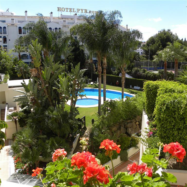 Look no further if you want a beautiful apartment right in the centre of Puerto Banus and walking di, Spain