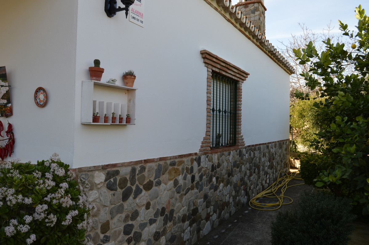 House in Alora R3594781 6