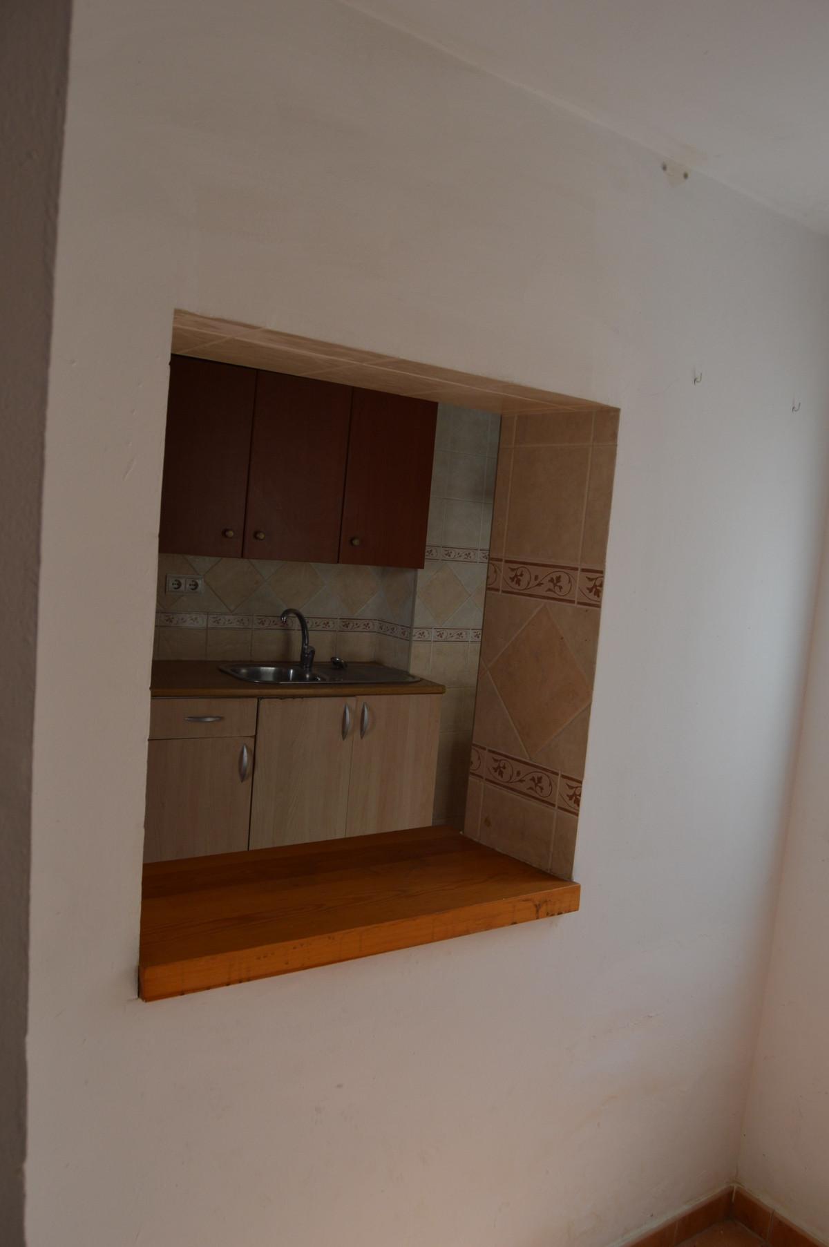 2 Bedrooms - 1 Bathrooms