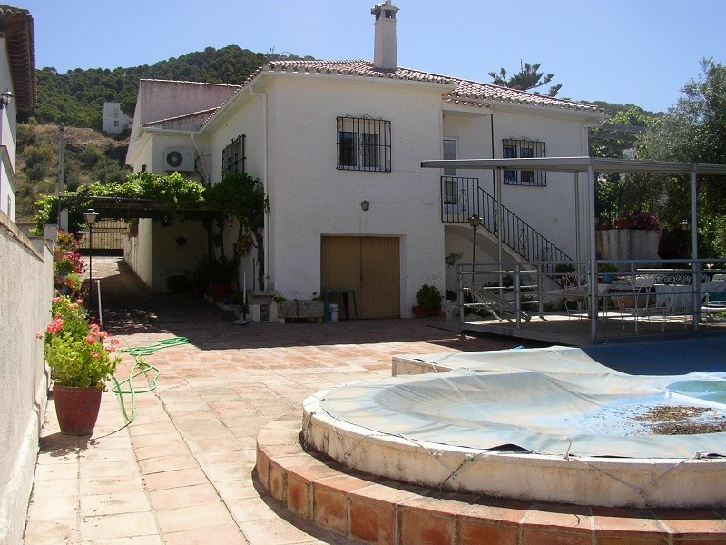 COUNTRY HOME IN CARRATRACA, ANDALUCIA.  This property located on the edge of Carratraca consists of ,Spain