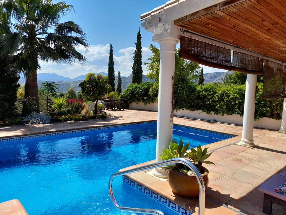 We are honored to have been asked to market this quality built, 3 bedroom, 3 bathroom country villa ,Spain