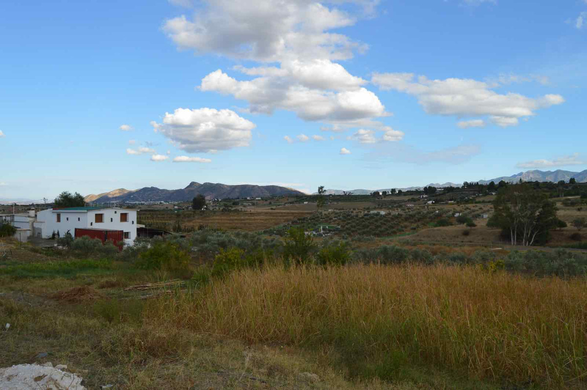 Large plot with many buildings for B&B or campsite.  This large plot of just over 44,000m2 is si,Spain