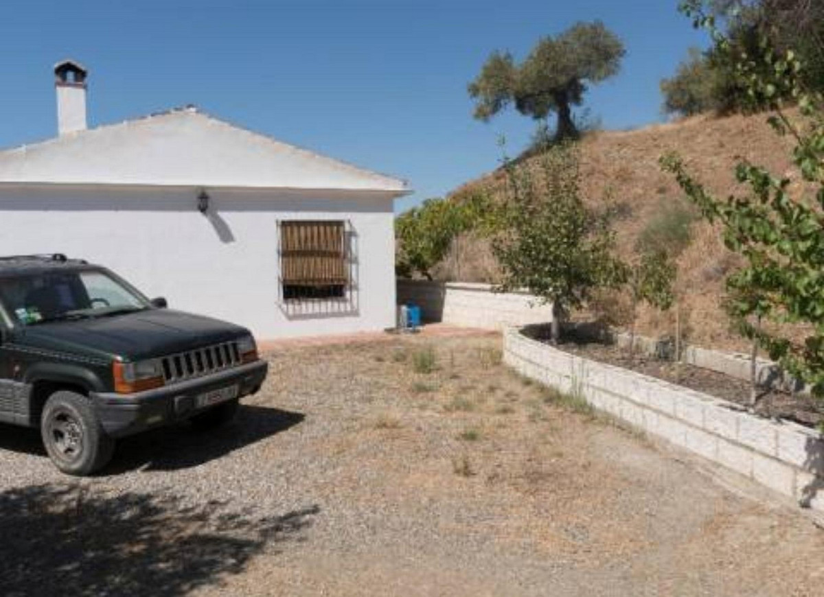 House in Alora R3358333 6