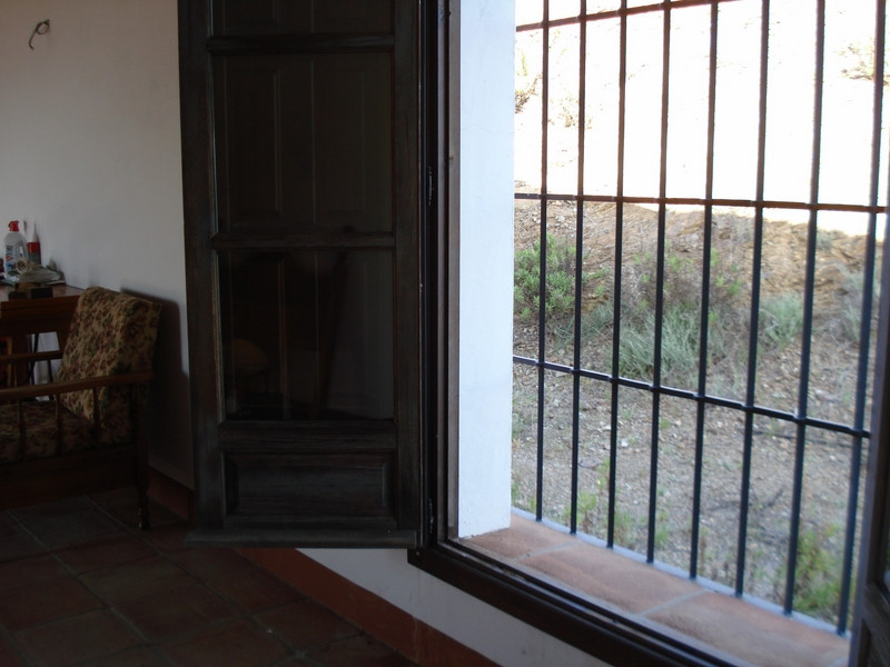House in Alora R2504711 16