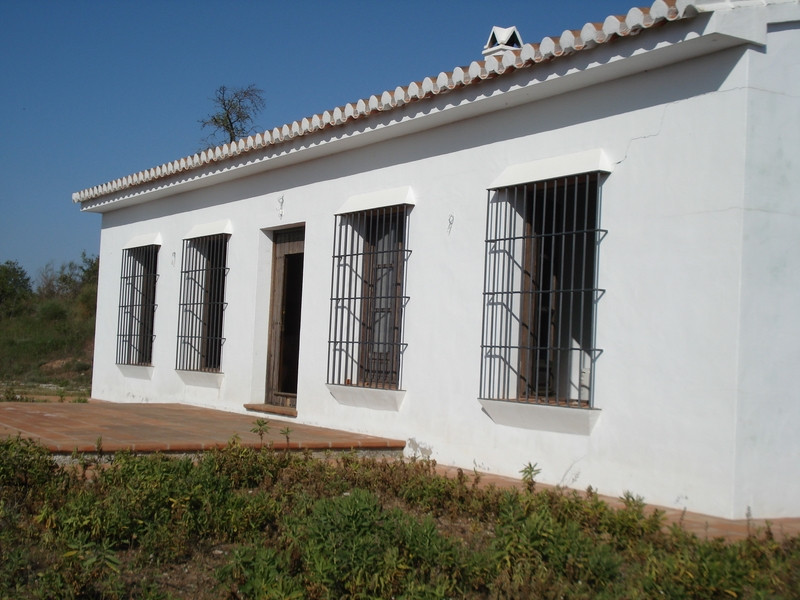 House in Alora R2504711 2