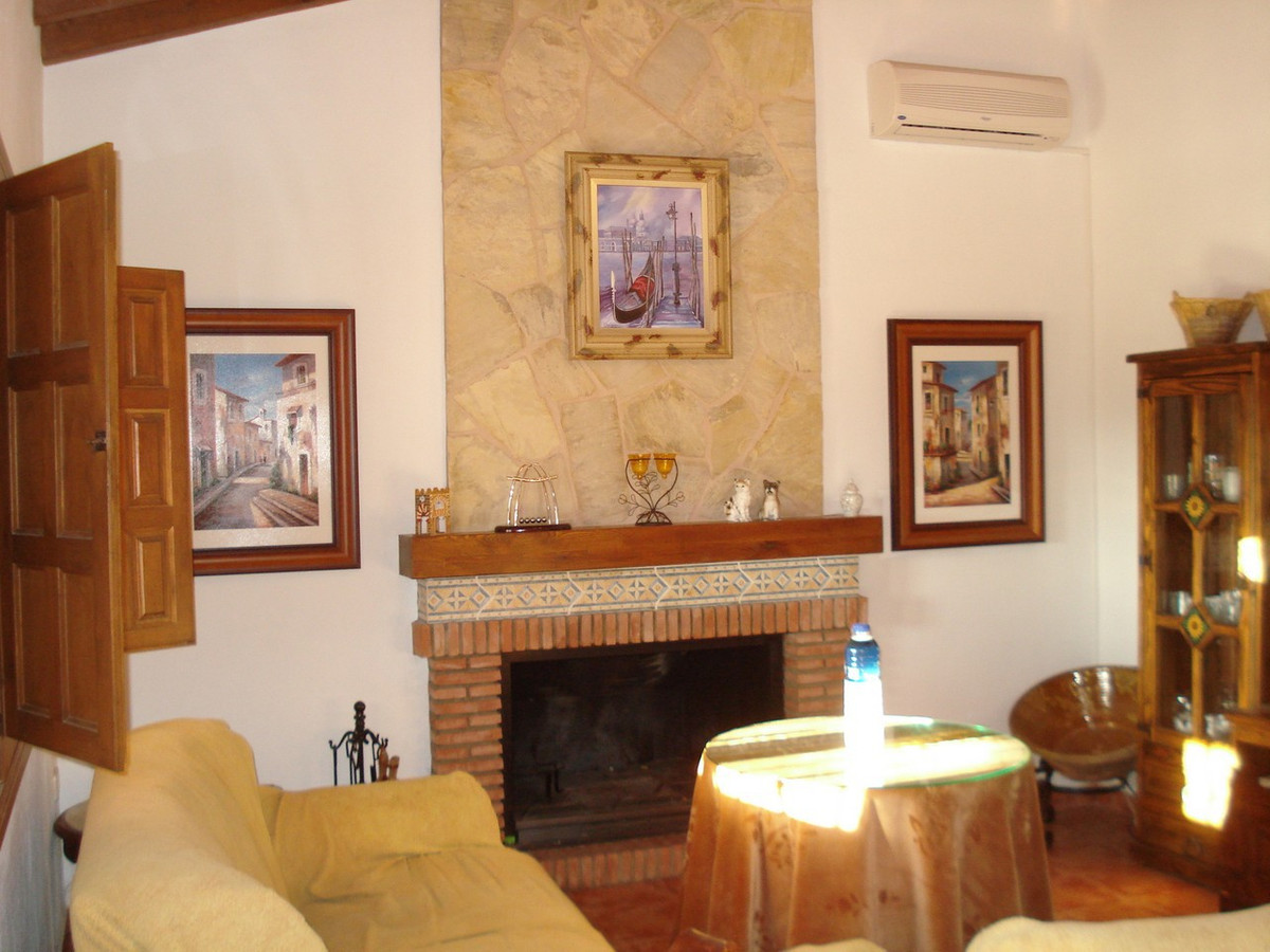 House in Alora R2524640 13
