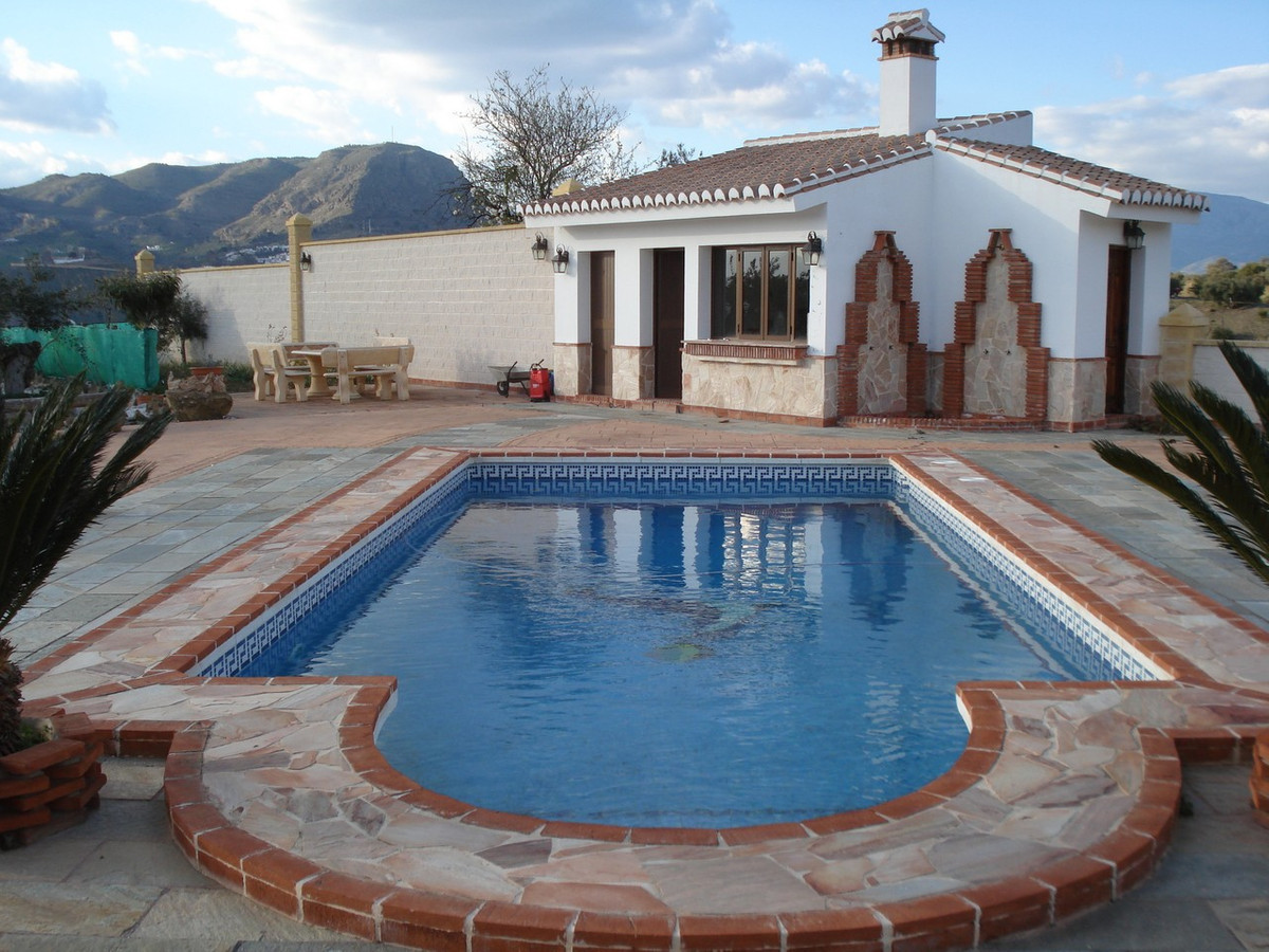 House in Alora R2524640 3