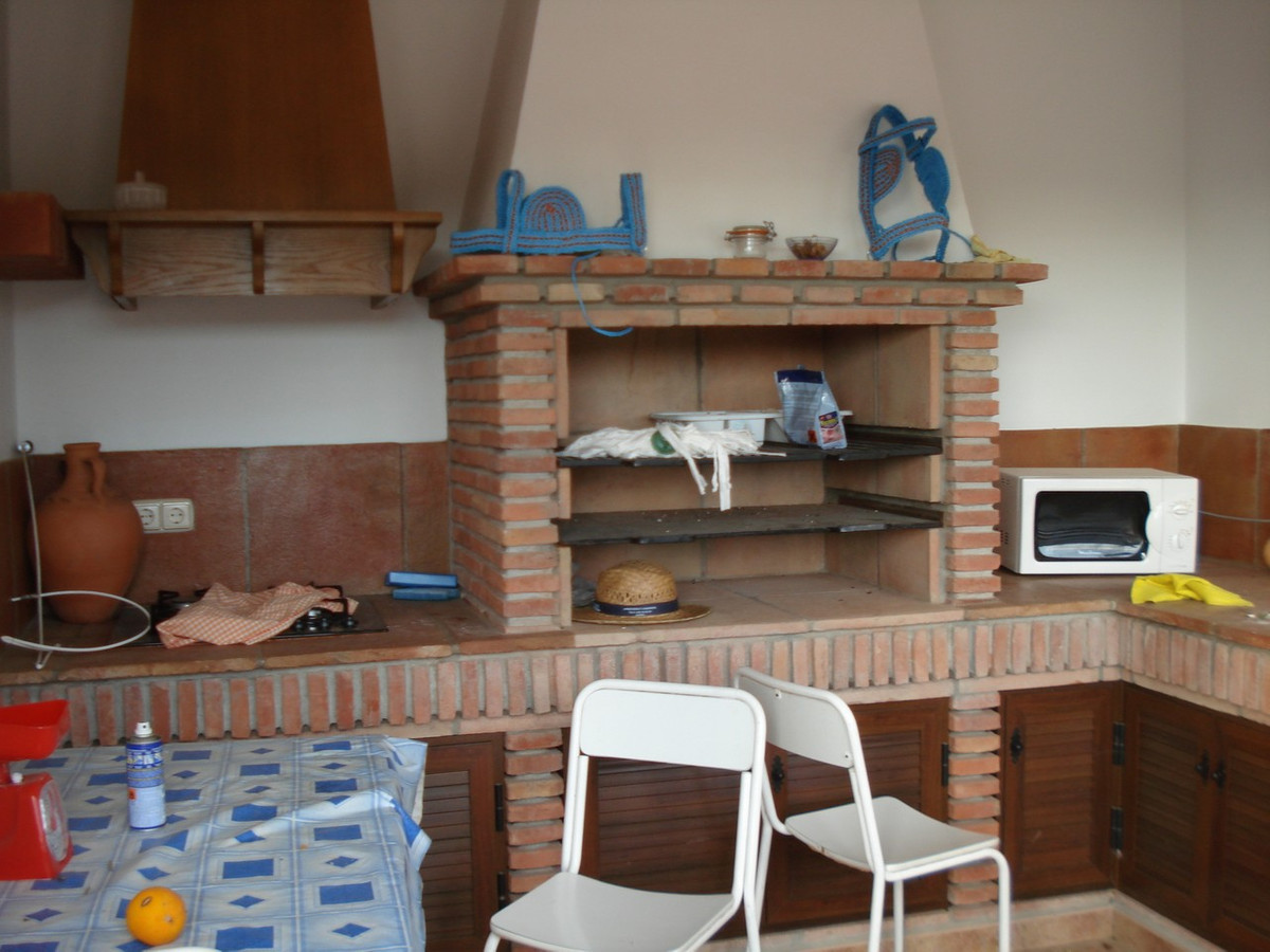 House in Alora R2524640 30