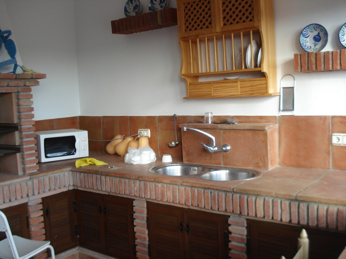 House in Alora R2524640 31
