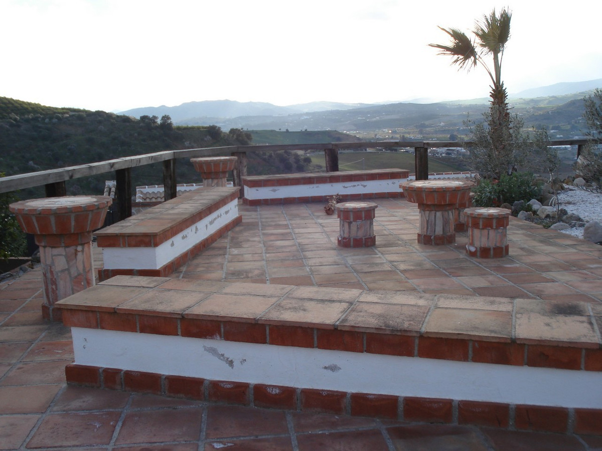 House in Alora R2524640 37