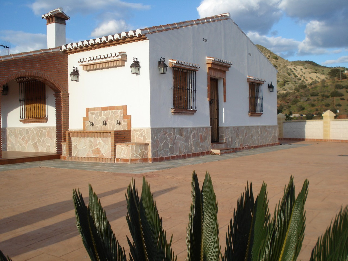 House in Alora R2524640 6