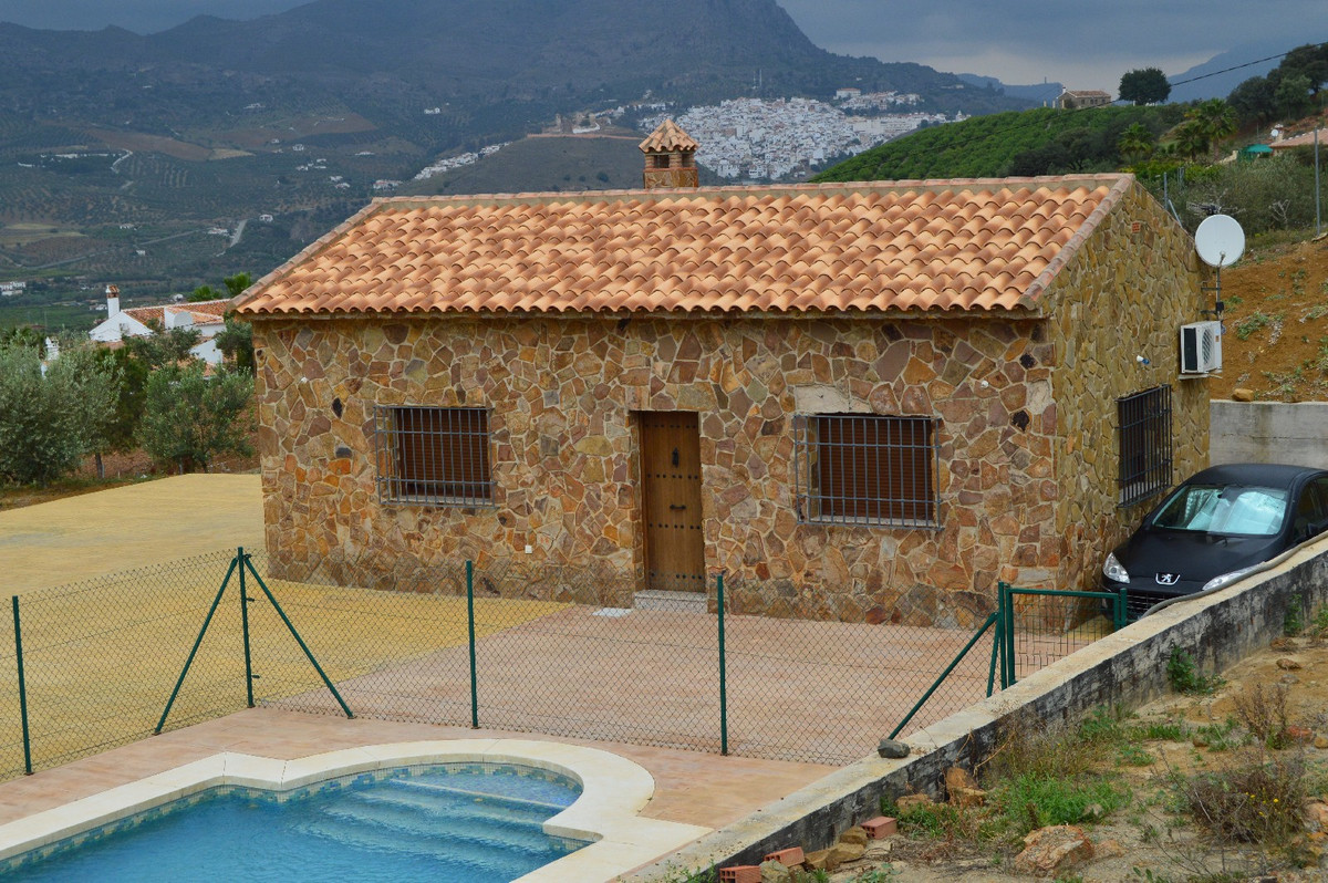 House in Alora R2664230 28