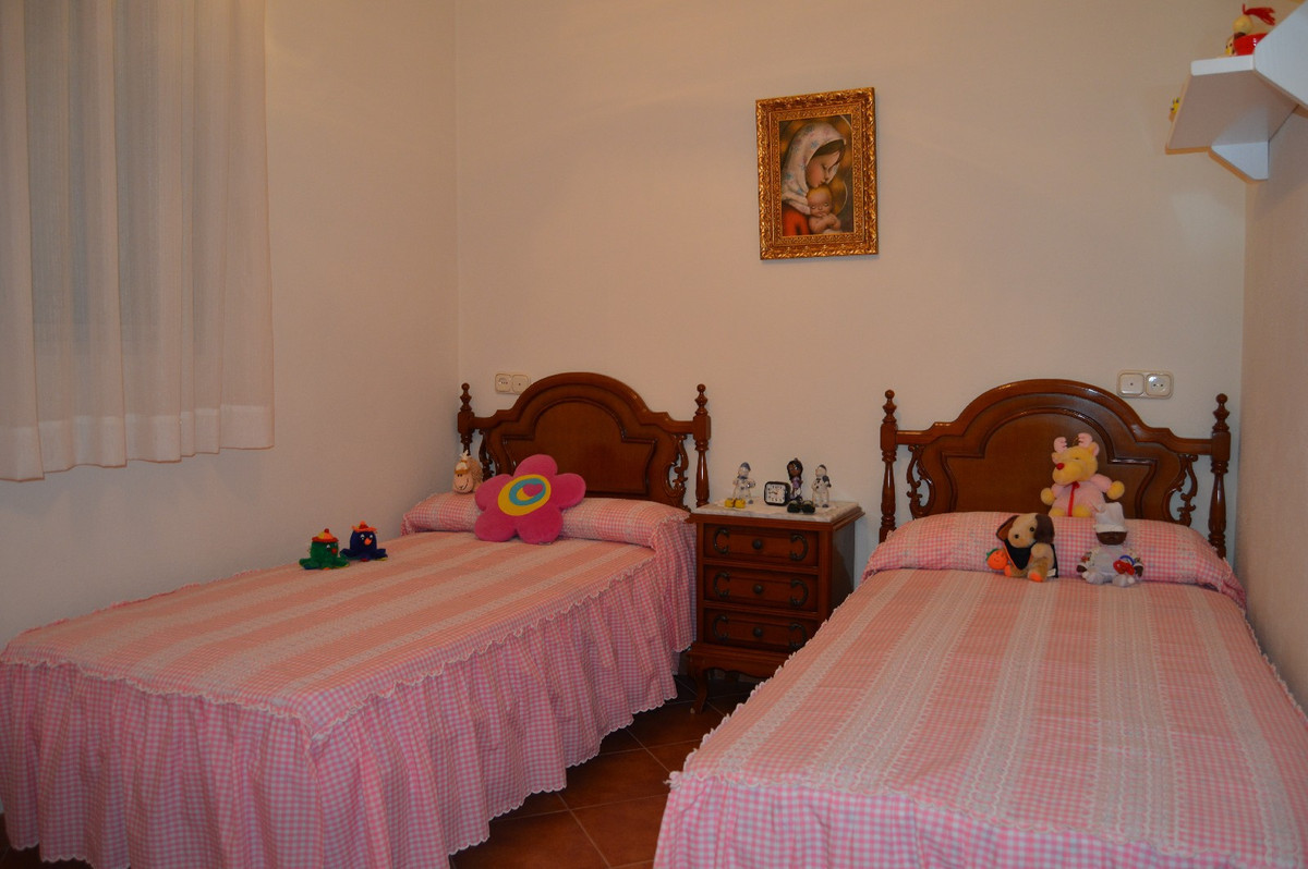 House in Alora R2831273 14