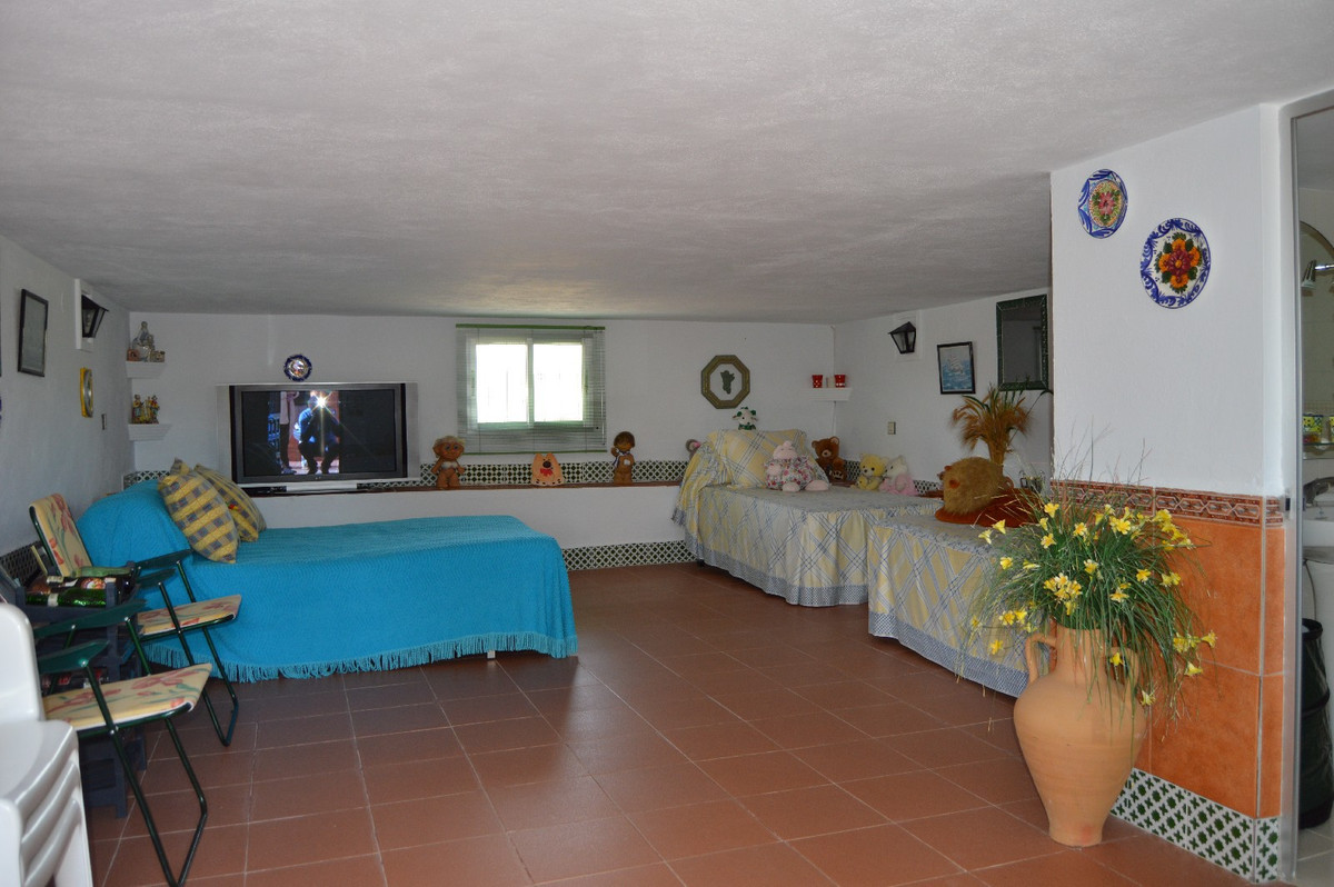 House in Alora R2831273 22