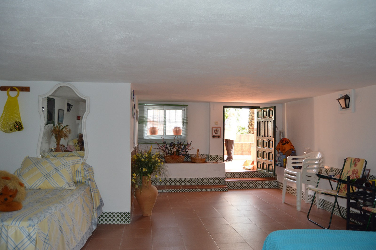 House in Alora R2831273 25
