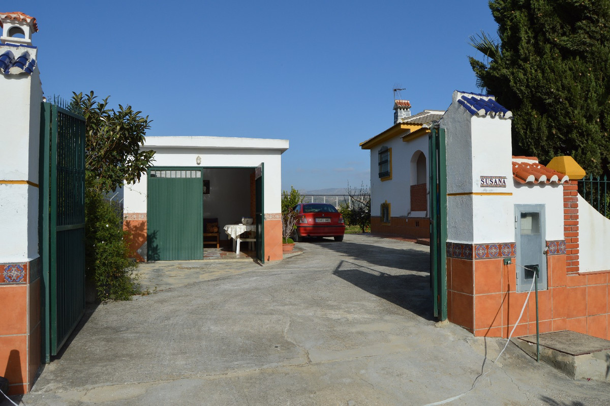 House in Alora R2831273 3