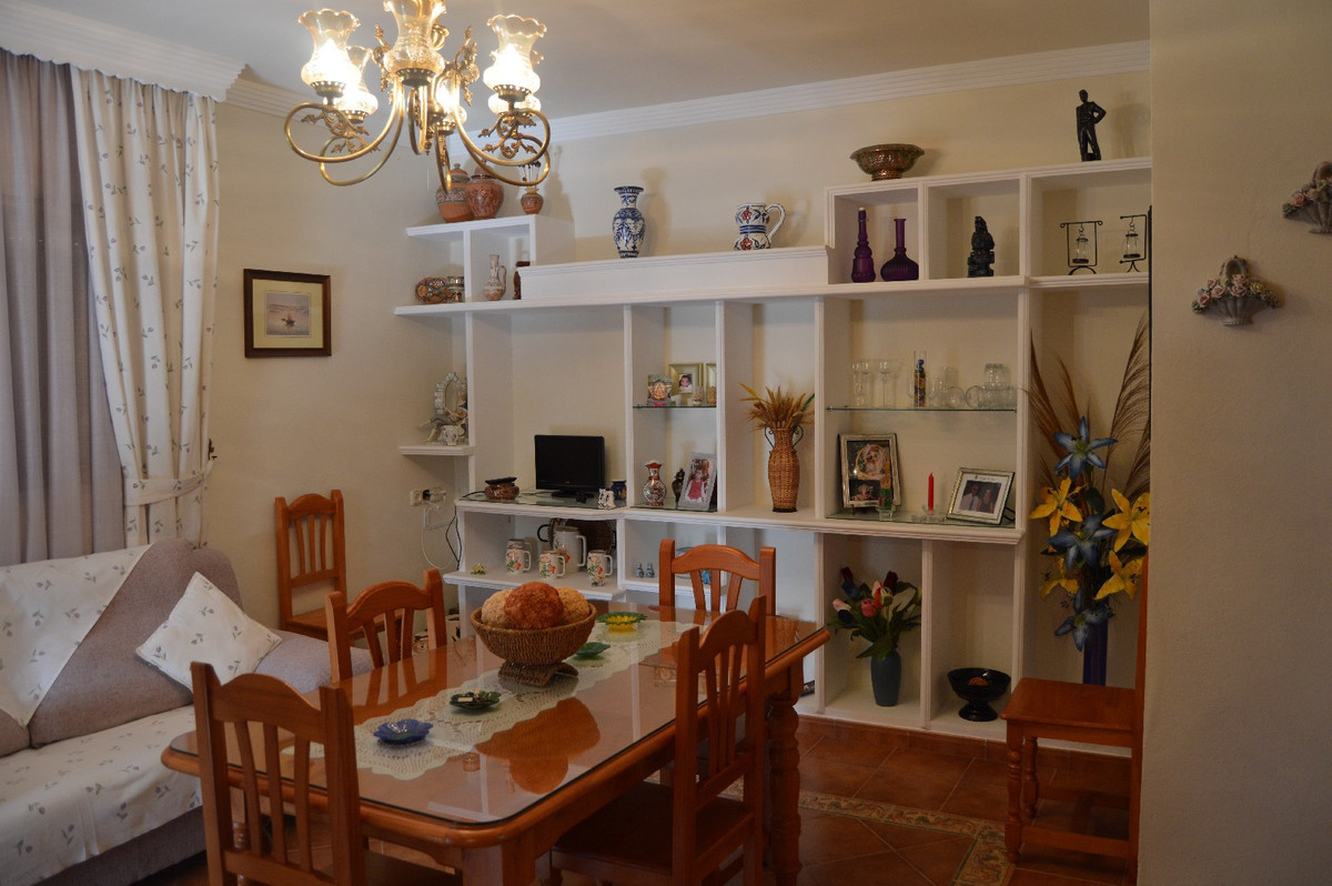 House in Alora R2831273 7