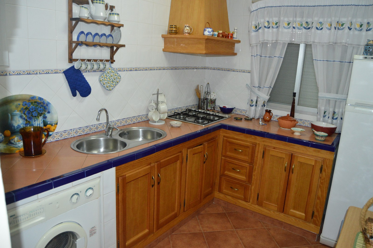 House in Alora R2831273 9