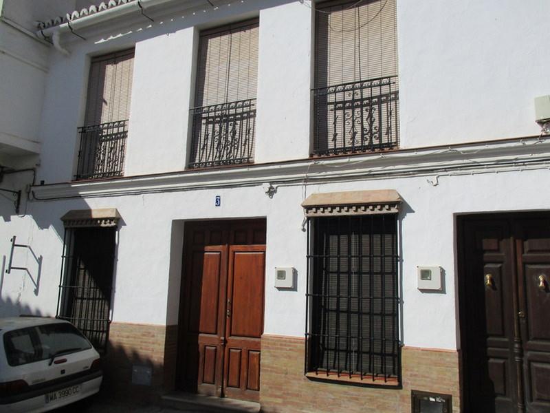 House - Alora