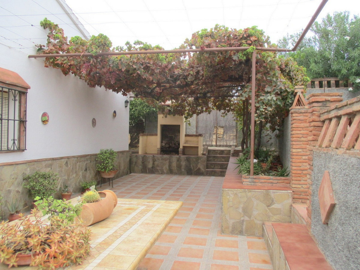 House in Alora R3517882 21