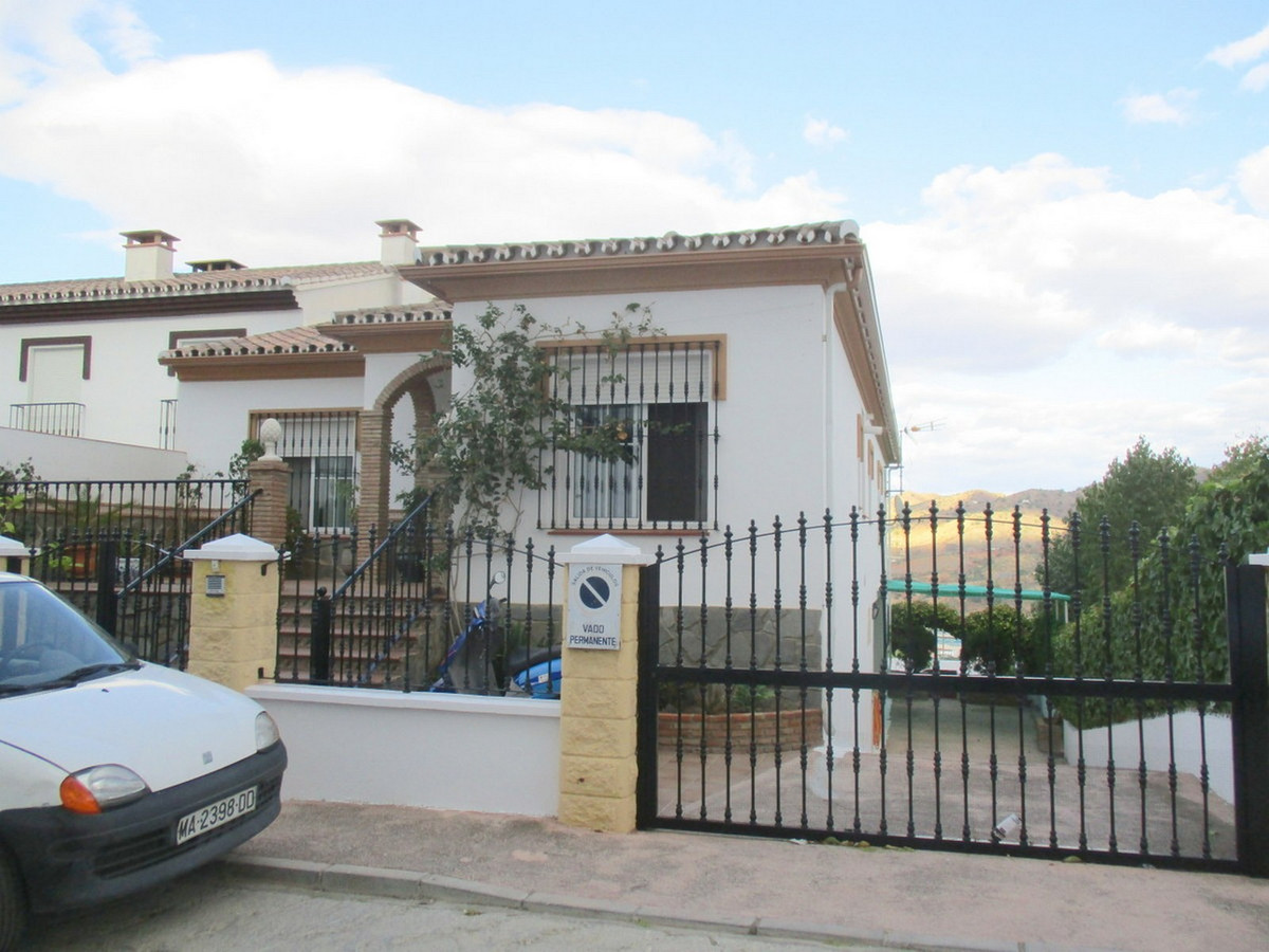 Semi-Detached House for sale in Alora