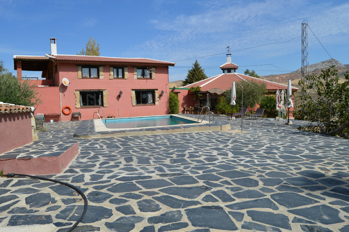 BUSINESS PREMISES IN VALLE DE ABDALAJIS, A 2 STAR HOTEL, ANDALUSIA  This beautiful 2 star hotel is s,Spain