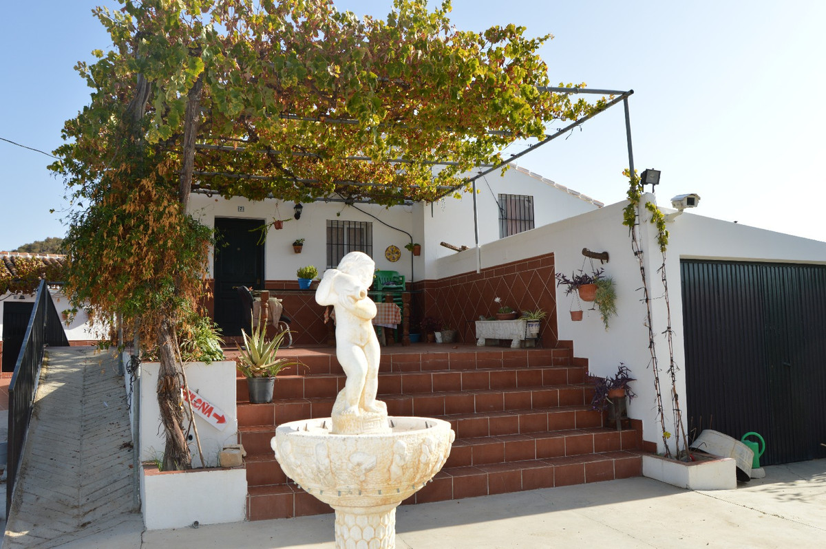 House in Alora R2792057 18
