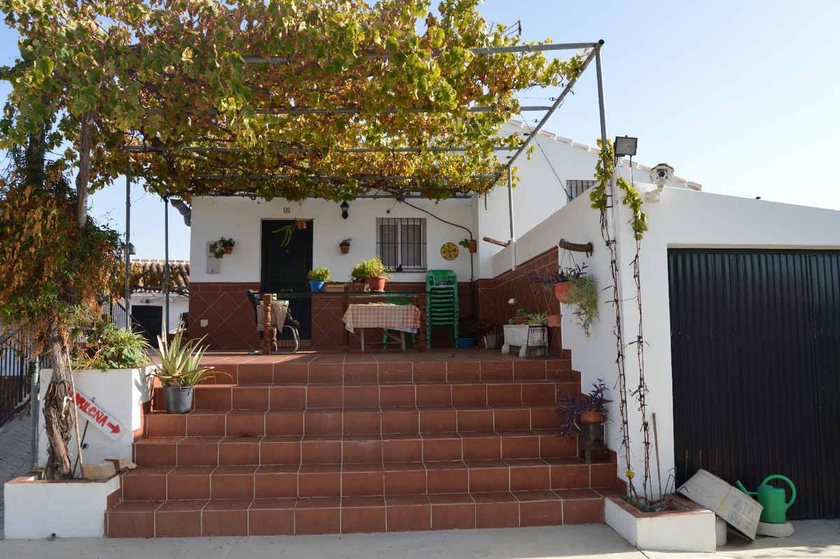 House in Alora R2792057 19