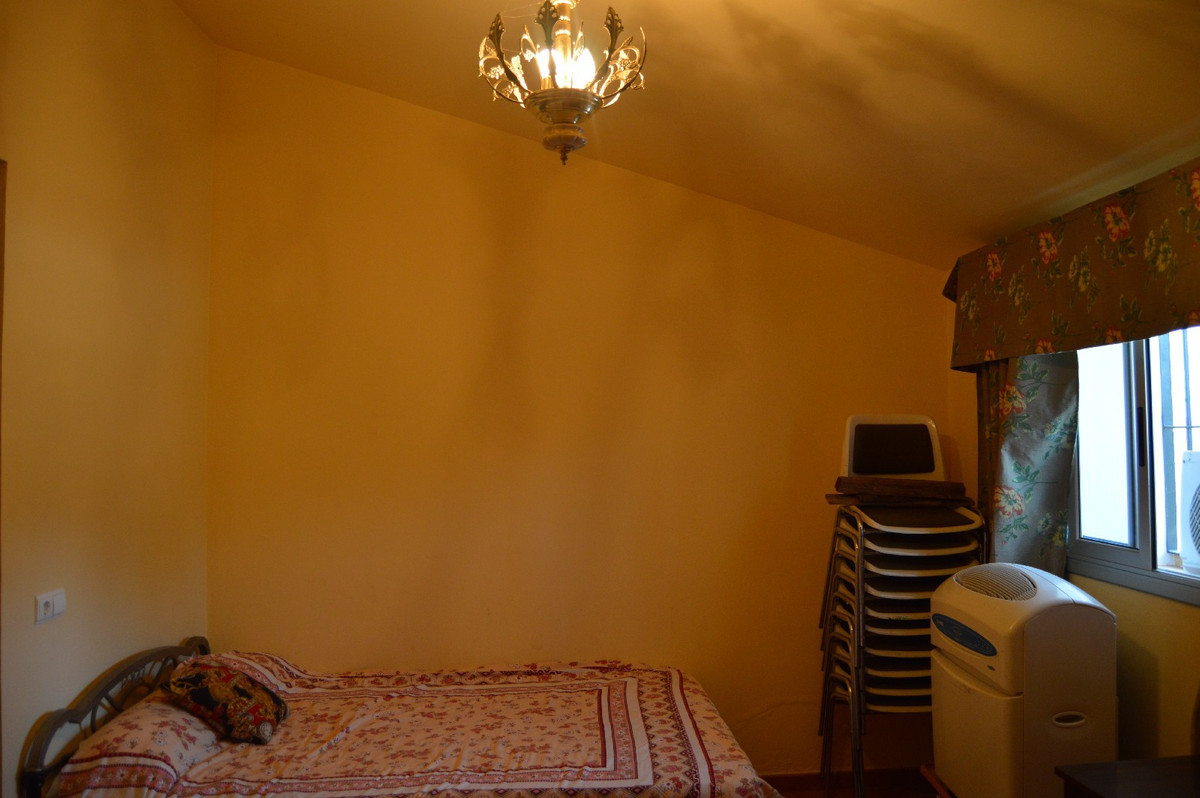 House in Alora R2792057 41
