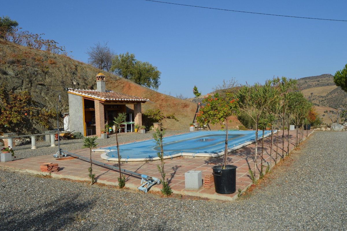 House in Alora R2792057 9