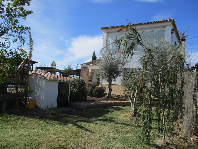 House in Alora R3109150 2