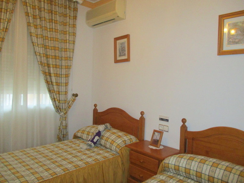 House in Alora R3321787 11
