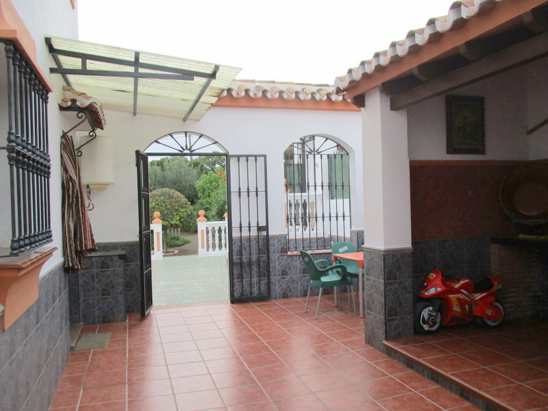 House in Alora R3321787 18