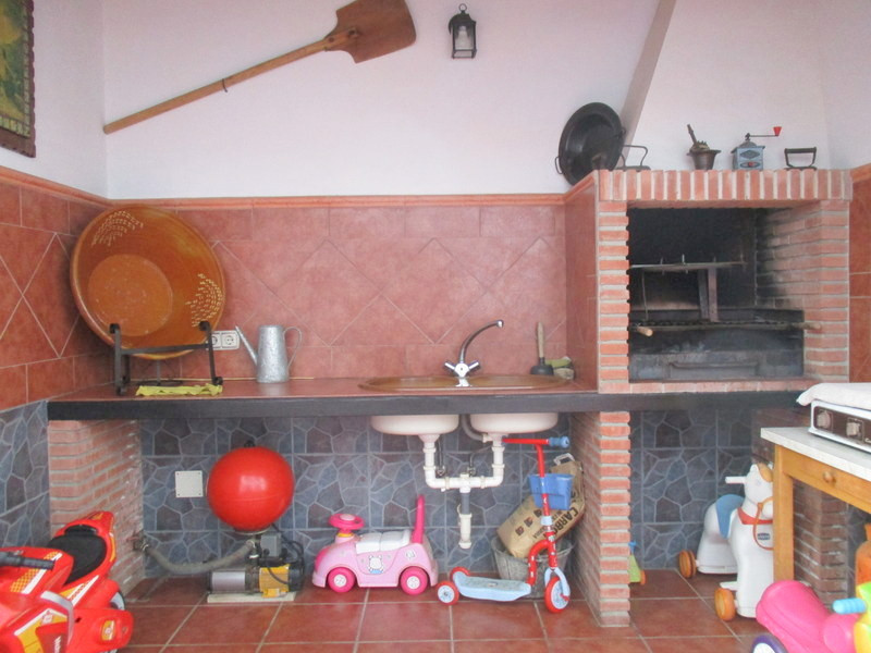 House in Alora R3321787 19