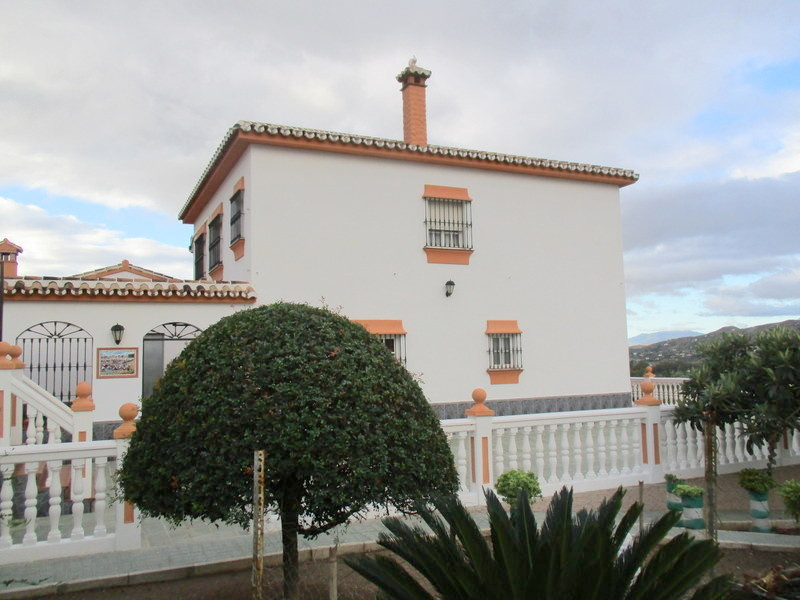 House in Alora R3321787 27