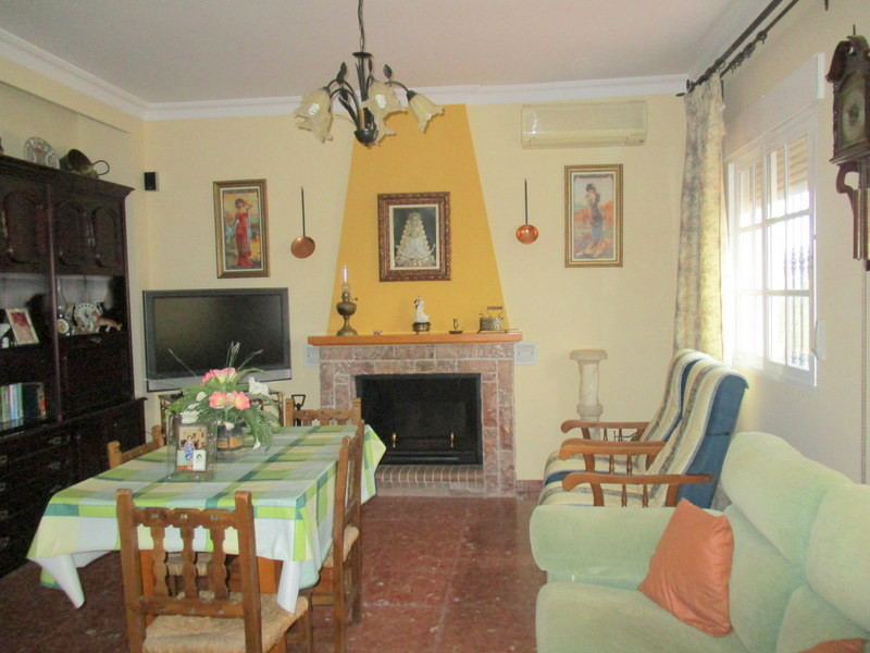 House in Alora R3321787 4